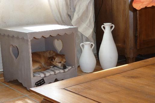 choisir une niche pour son chien nos conseils les. Black Bedroom Furniture Sets. Home Design Ideas